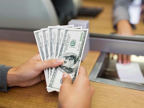Chuyển tiền sang Mỹ cho người thân